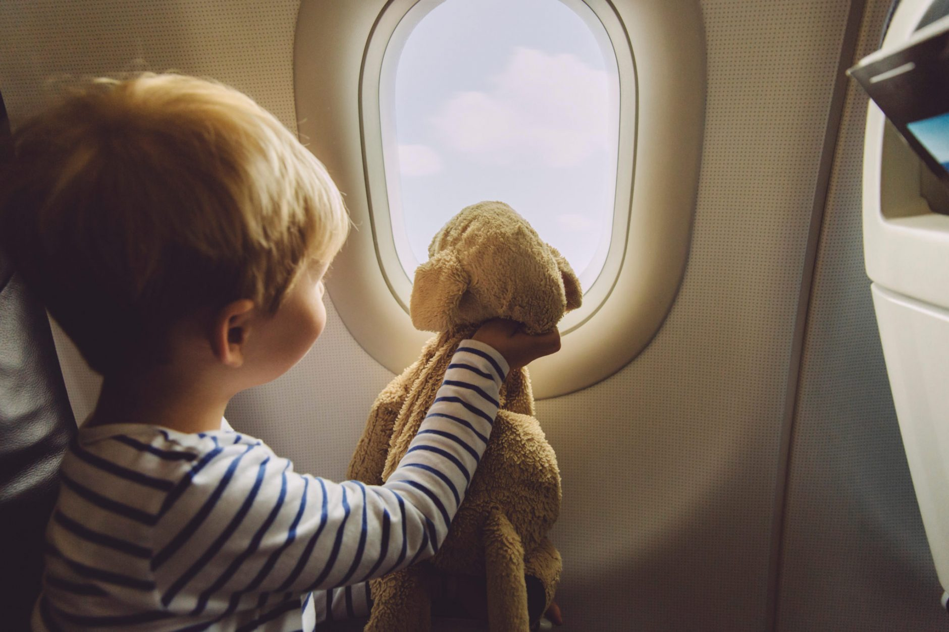 Avion avec bébé et enfant : quels sièges choisir