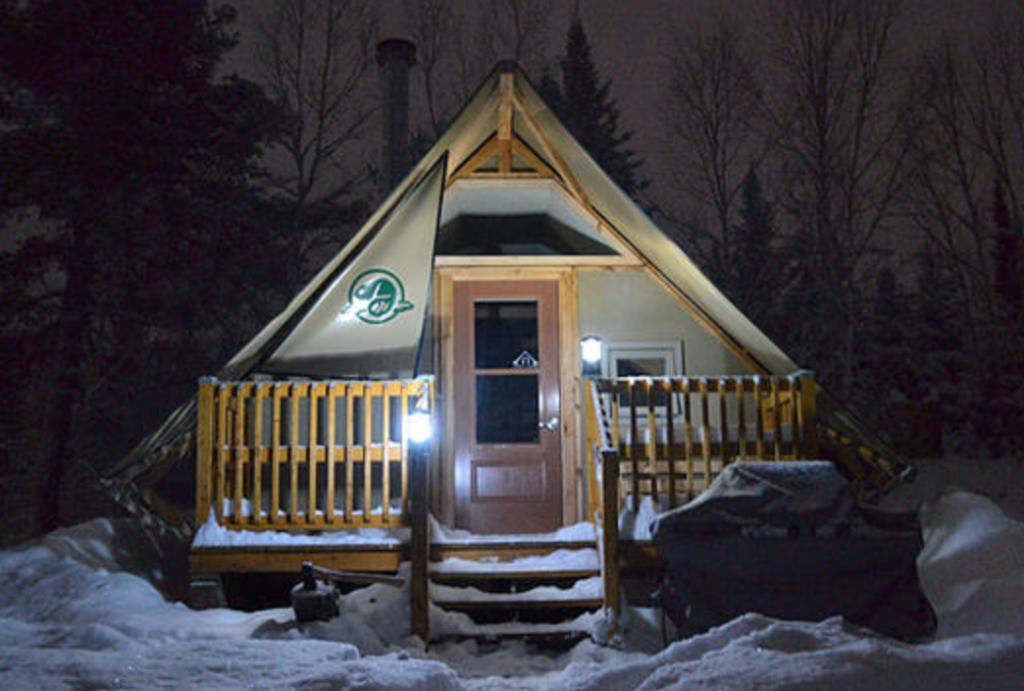 © Village des écluses, tentes OTENTik