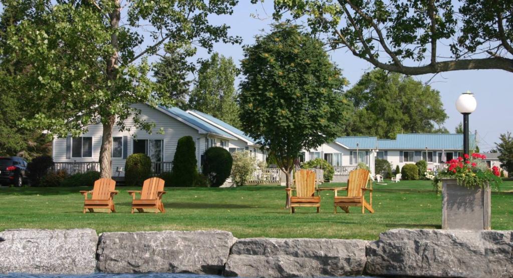 Sunrise Cottage Resort Sandbanks