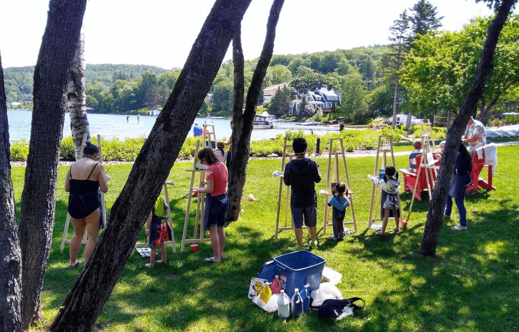Entourage sur le-Lac, Lac Beauport, avec bébé et enfant