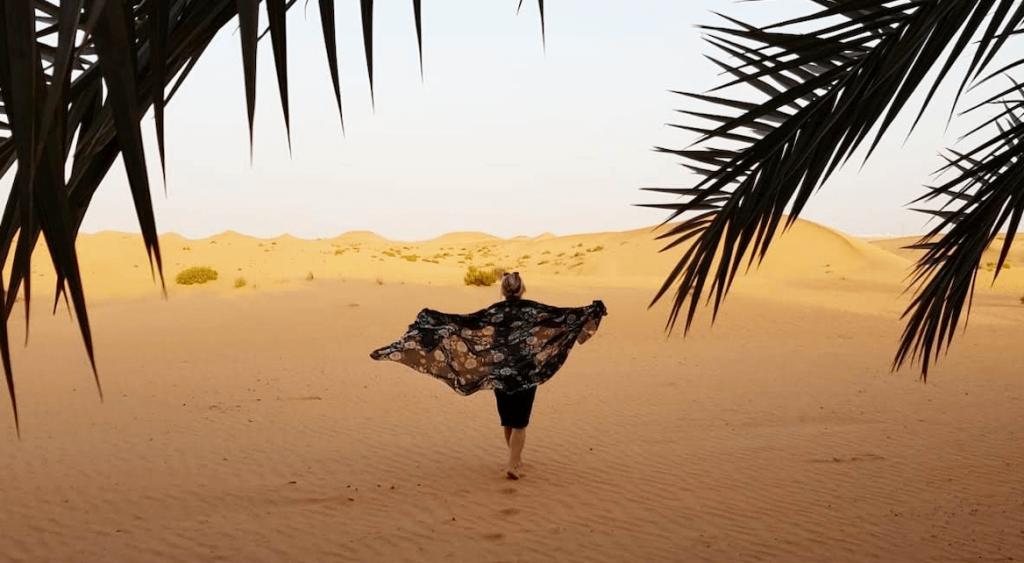 Désert de Al Ain, Émirats Arabes Unis en famille avec bébé et enfant